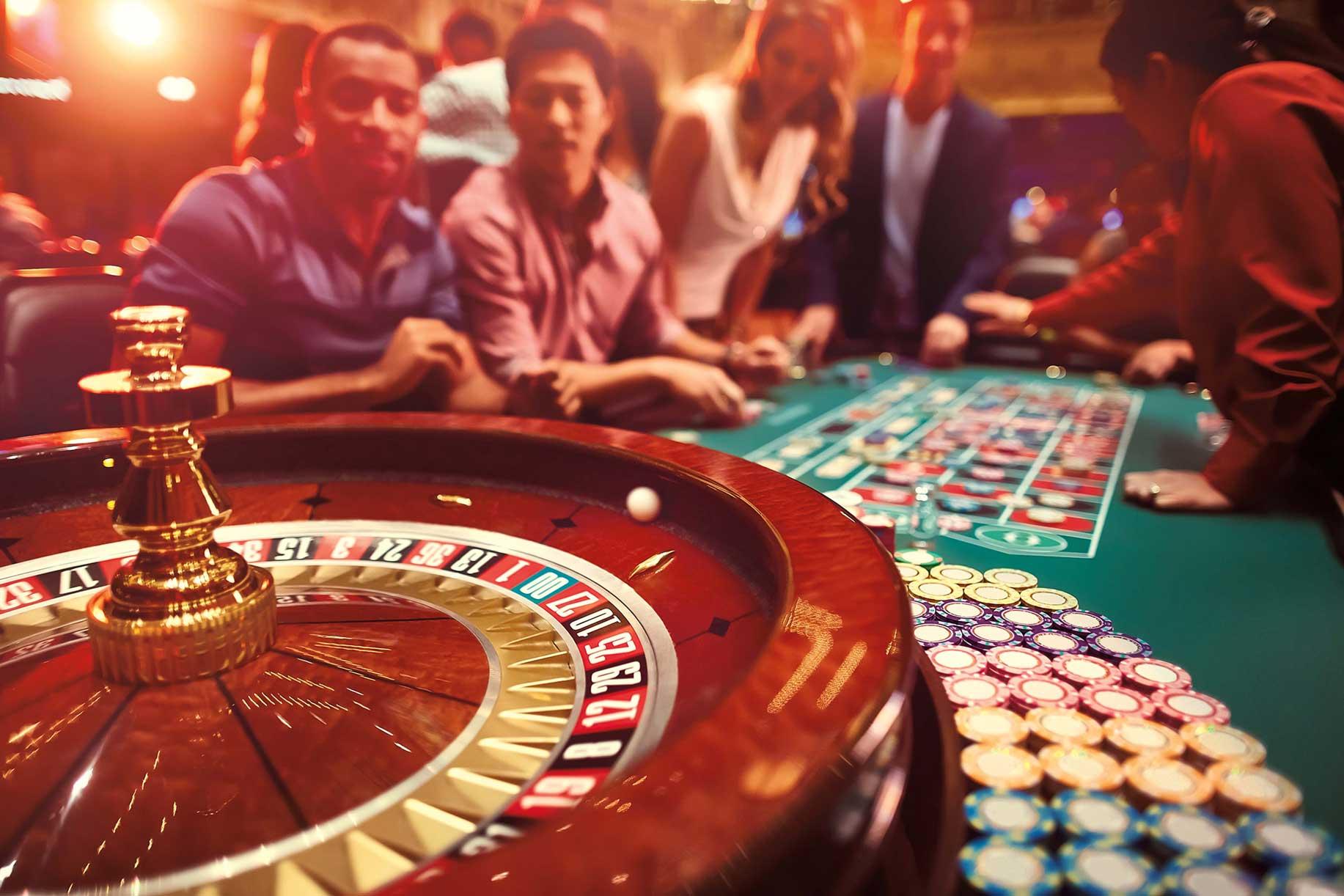 Taking Advantage in Poker Online Games